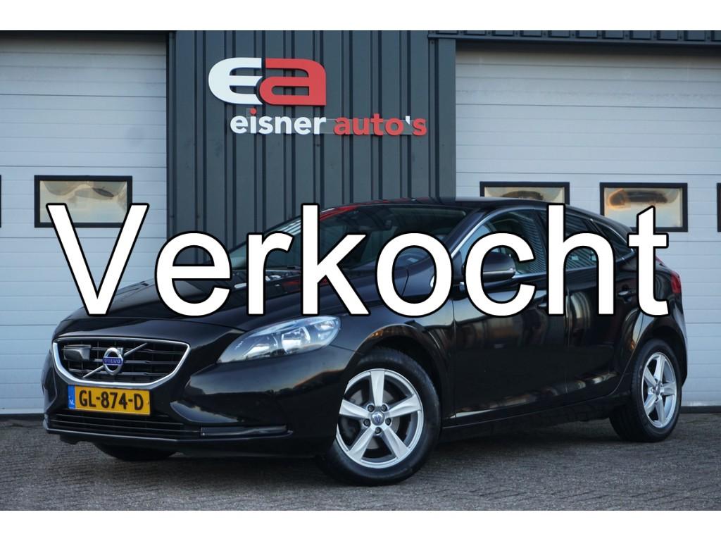 Volvo V40 2.0 D2 Summum | LEDER | TREKHAAK | ADAPTIVE CRUISE | STOELVERW. |